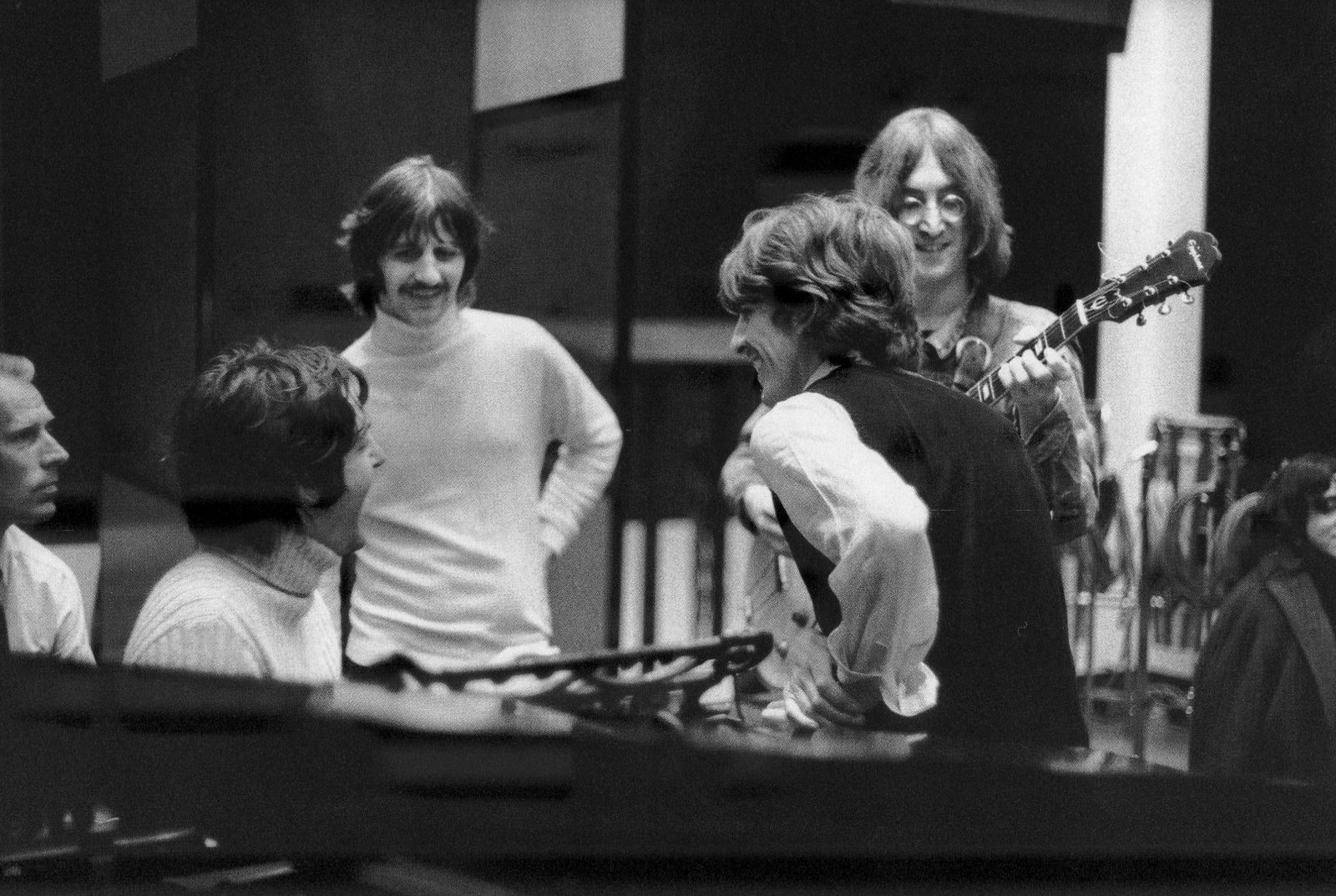 ãbeatles recording engineer abbey road 1968 white albumãã®ç»åæ¤ç´¢çµæ